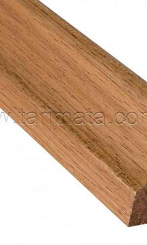 Rodapé de madeira