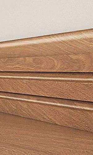 venda de rodapé de madeira